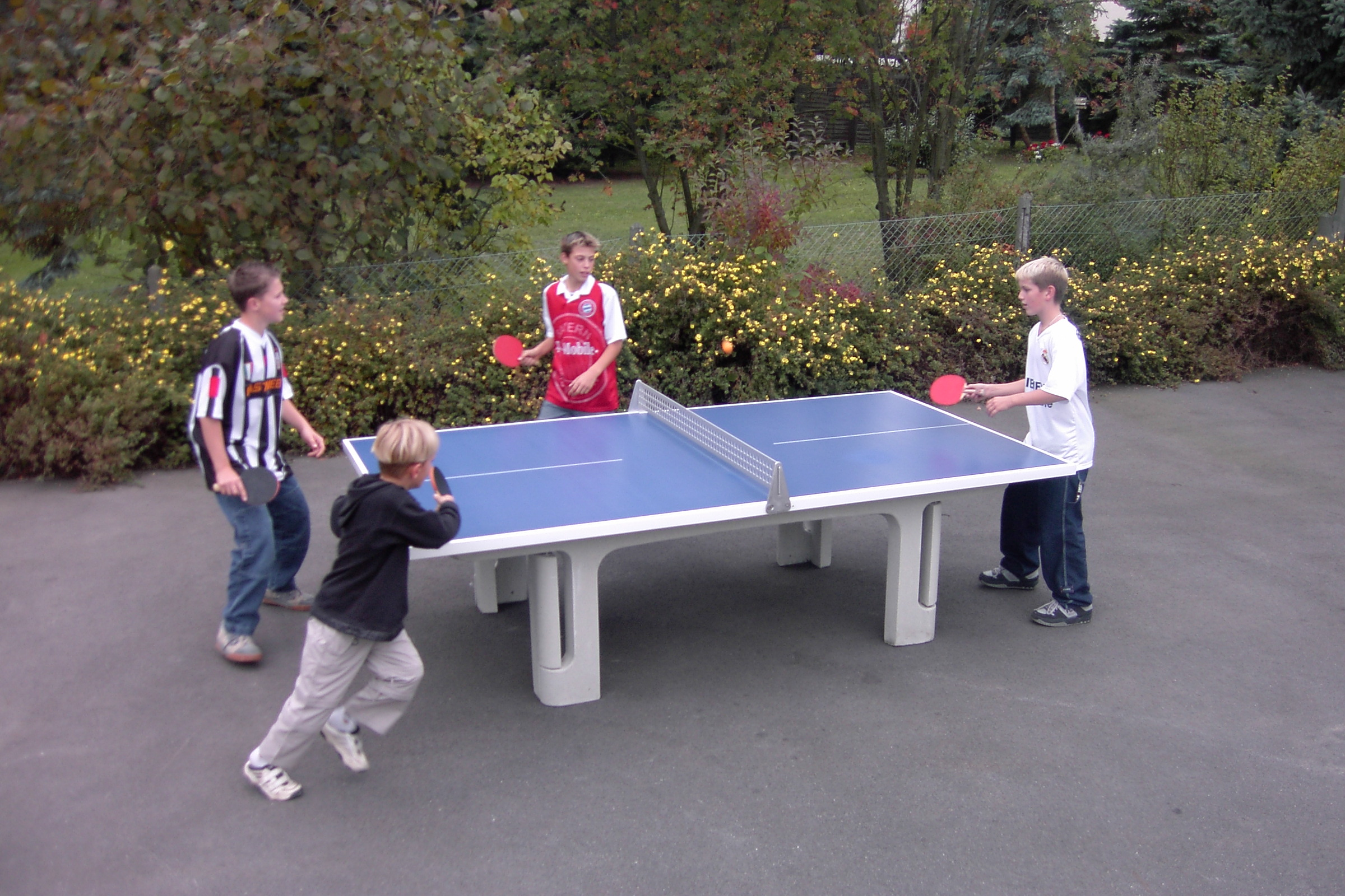 outdoor table tennis goric marketing group usa inc. Black Bedroom Furniture Sets. Home Design Ideas