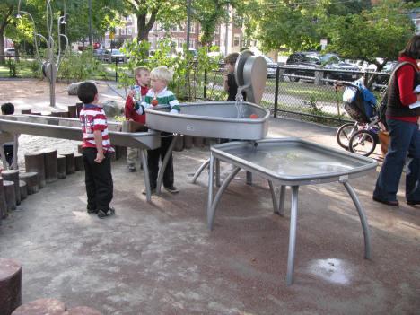 Cambridge Commons water play